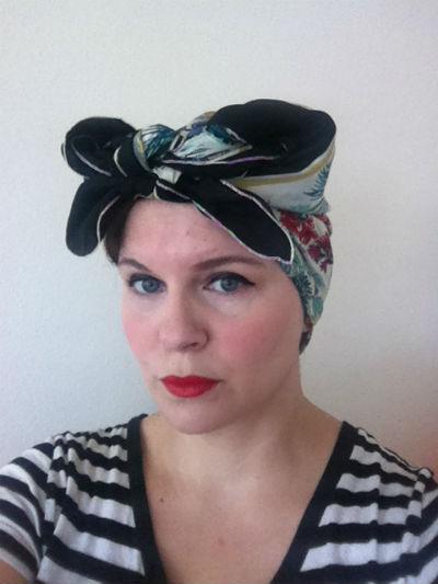 1940s Headscarf 400
